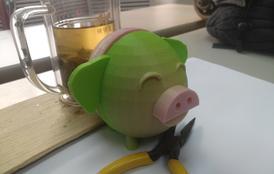 说吉祥话的小猪